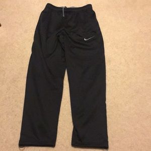 Nike therma-fit fleece lined pants
